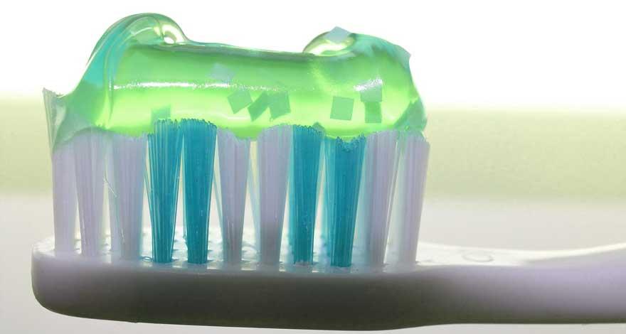 Tips Cara Hilangkan Jerawat dan Komedo dengan Pasta Gigi