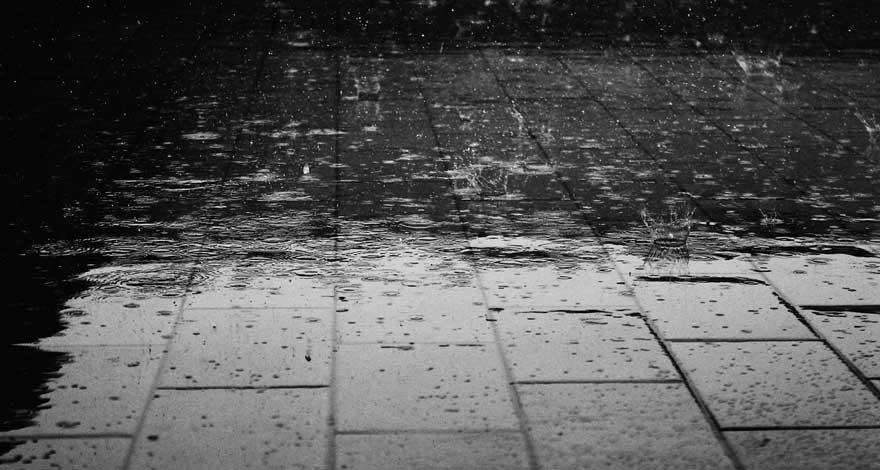 Tips Merawat Motor Saat Musim Hujan Supaya Tetap Awet